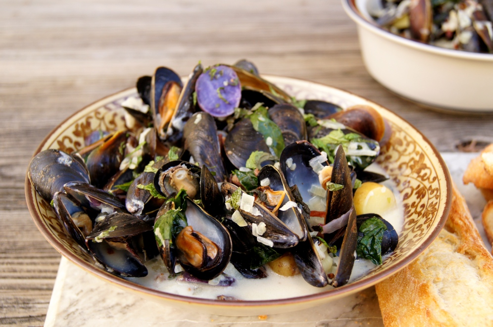 coconut-mint mussels with bacon and kale