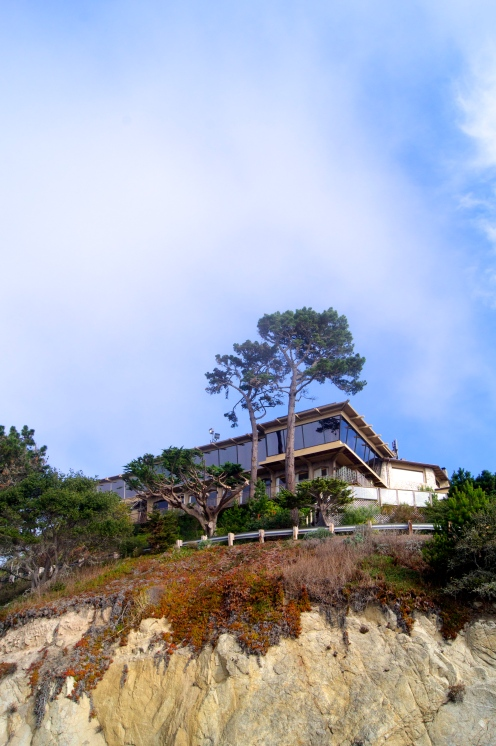 A house perched above the cliffs of Big Sur